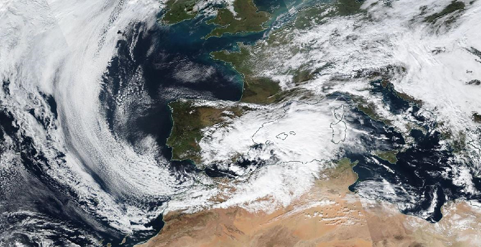 Gloria on January 19 at noon, with its center located between Ibiza and cabo de la Nao (MODIS image from the SUOMI-NPP satellite).