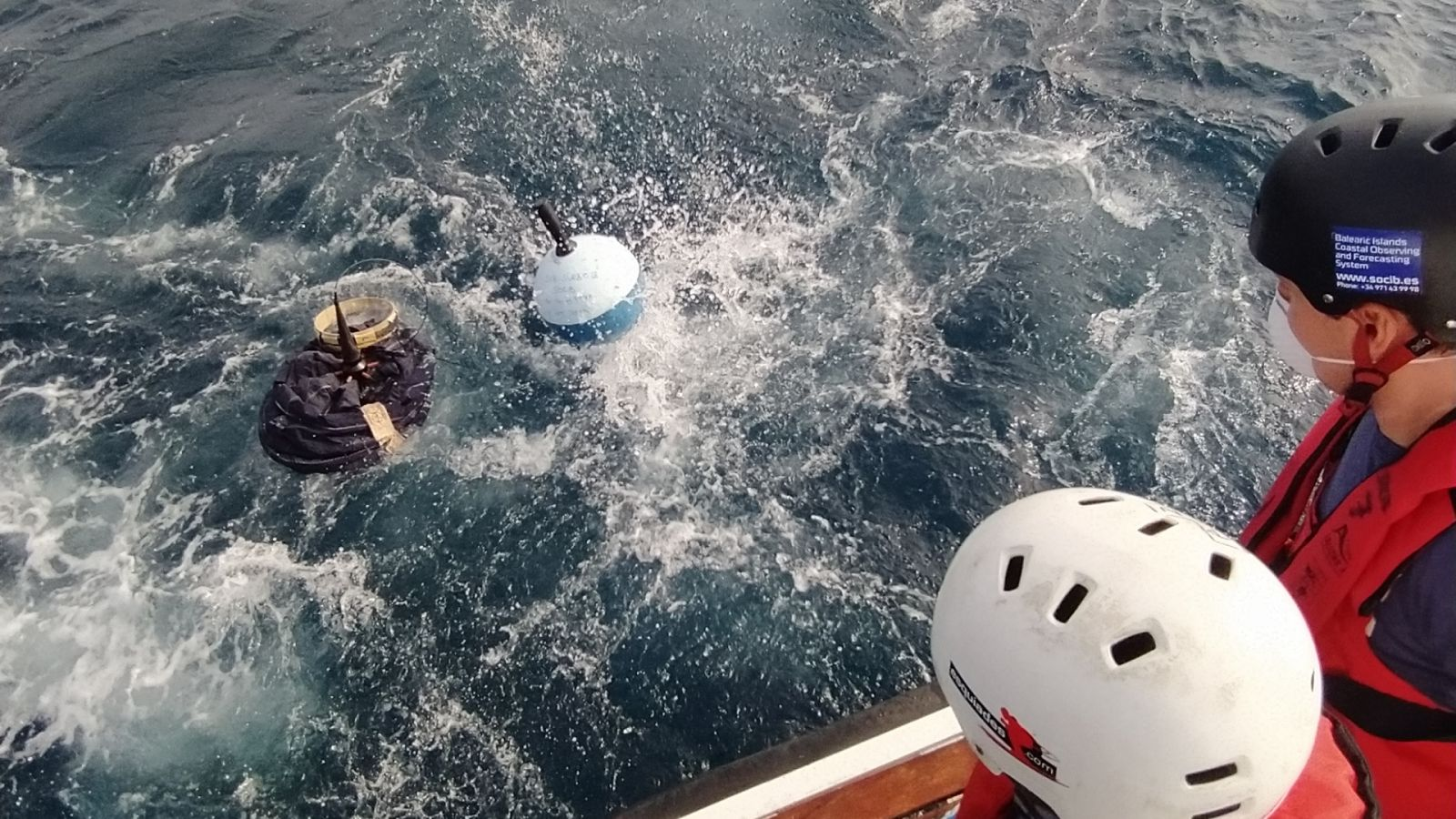 The SOCIB team on board R/V SOCIB has deployed two surface drifters (SVP-B) in the Ibiza Channel, within the framework of the Global Drifter Program (NOAA).